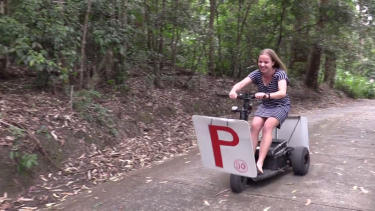 Папа пообещал дочери машину, если она честно сдаст на права. Но её ждал сюрприз…