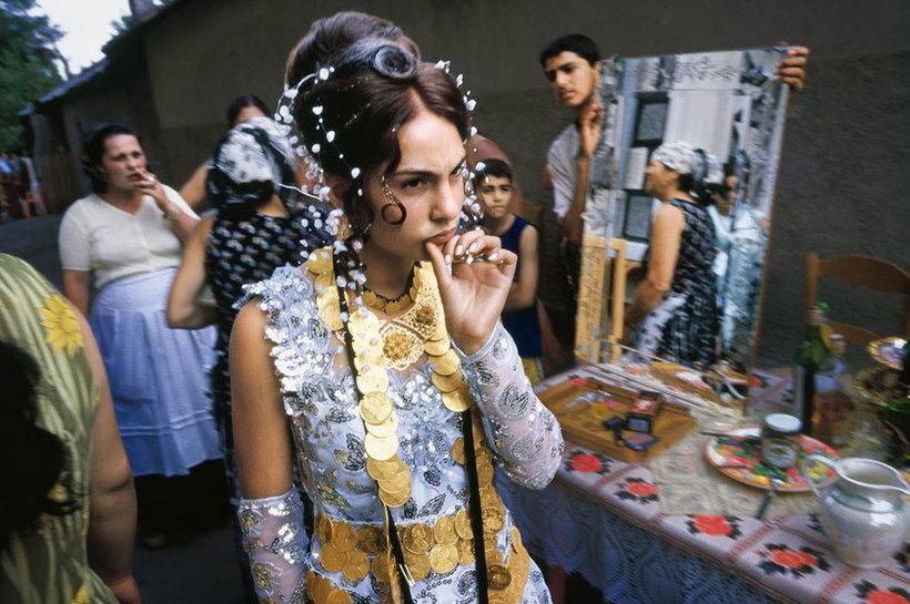 Свадьба в 14 лет и брачная ночь без жениха. Дикие факты о жизни цыган, от которых каждому станет не по себе