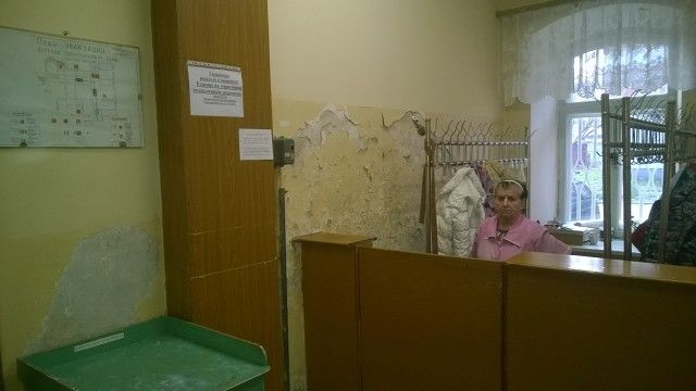 Фотогафии детской государственной поликлиники в Вышнем Волочке вызвали бурный резонанс в сети (6 Фото)