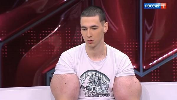 Мама обладателя синтоловых мышц Кирилла Терешина боится за его жизнь