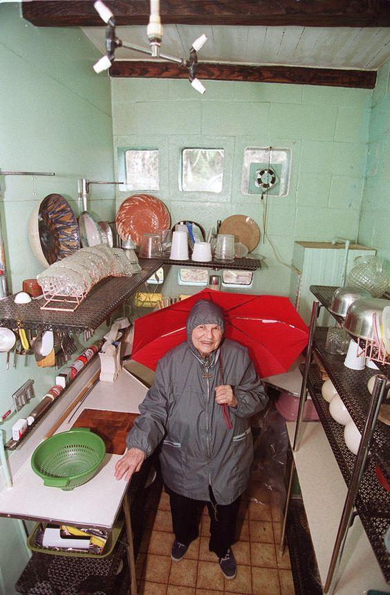 Женщина принципиально не убиралась дома более 20 лет, потому у нее есть секрет…