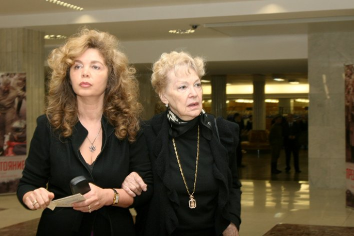 Мама Федора Бондарчука в свои 90 выглядит просто шикарно!
