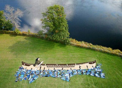 изображение на Земле Дэниела Дансера человек в лодке
