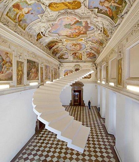 невероятные конструкции лестниц