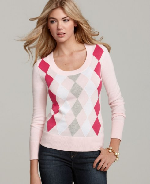 Кейт Аптон рекламирует одежду