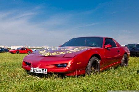 Выставка автомобилей (25 фото)
