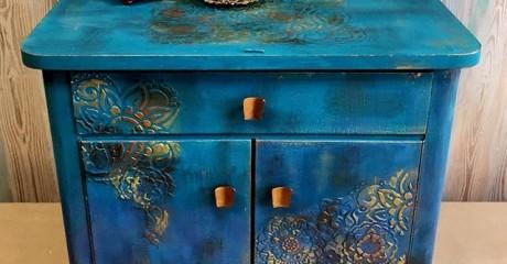 Как отреставрировать старый шкаф