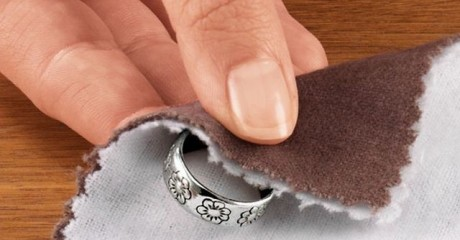 4 эффективных способа для очистки серебряных украшений