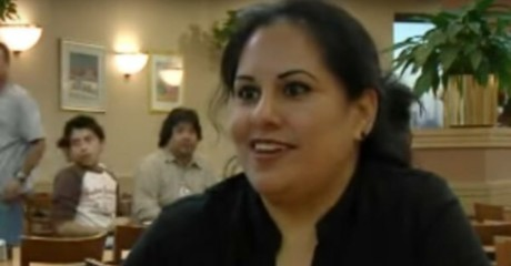 Официантка в течение многих лет терпела грубого клиента, а когда он умер, случилось немыслимое