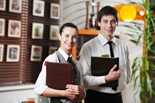 Рассказ этой официантки о работе в ресторане ужаснул многих!