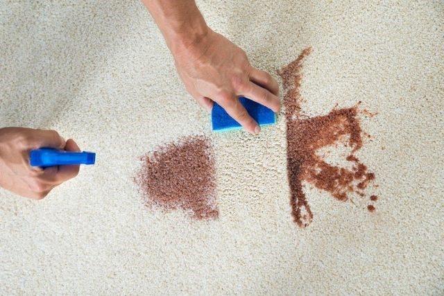 Хозяйкам на заметку. Как очистить пятно йода с мягкой мебели