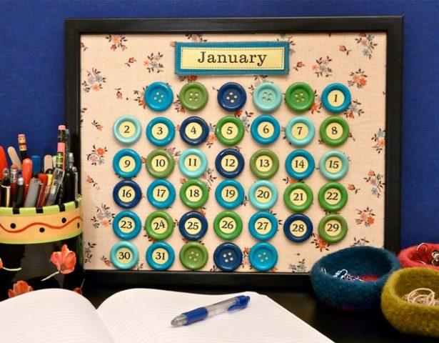 Календарь из пуговиц своими руками