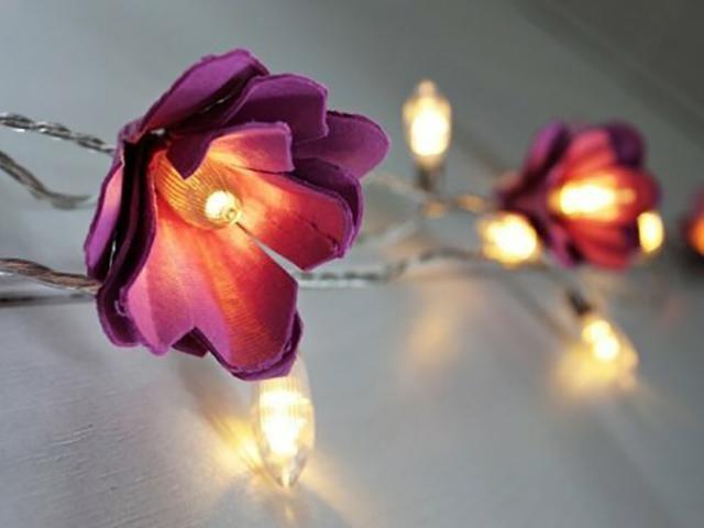 Светильник из яичных лотков
