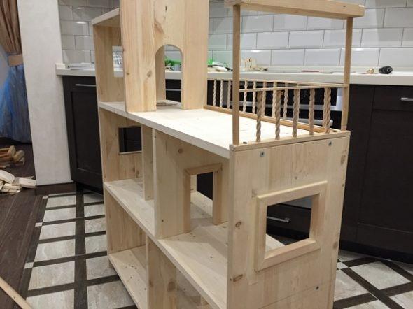 Полка-домик для игрушек своими руками